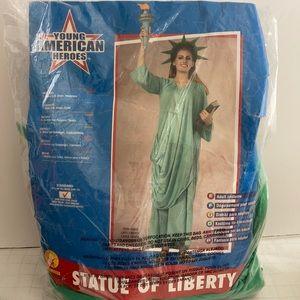 Halloween Costume Statue of Liberty lady liberty
